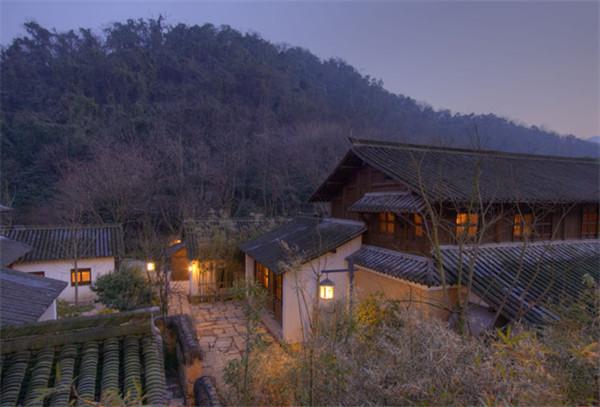 """杭州最贵的民宿酒店案例:""""这个村子里住一晚上,最便宜也得5000""""――""""安缦法云(Aman-Fayun)""""世界版图上的""""中国禅"""""""